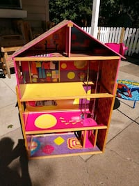 Doll house 51 inches tall  Minneapolis, 55429