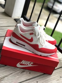pair of white-and-red Nike sneakers Germantown, 20876