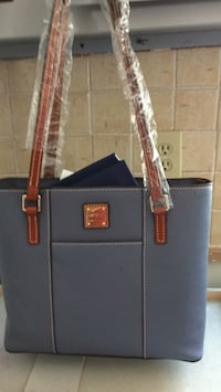 Brand new  Dooney&Bourke Beautiful   Handbag Spring, 77379