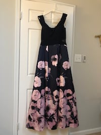 14W Floral Gown - Floor Length  Occoquan, 22125