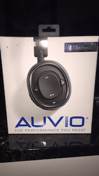 Auvio headphones box Eastlake, 44095