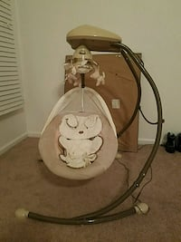 baby's brown and white Fisher-Price snugapuppy cradle 'n swing Virginia Beach, 23456