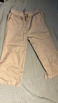 URBAN OUTFITTERS - Flowy Cream/Grey 3/4length Pants (size medium)  3734 km