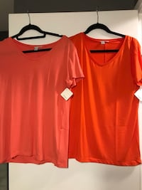 Halogen Tees Size Small Surrey