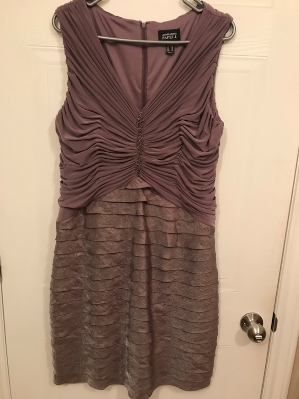 Cocktail Dress worn for a Wedding reception Itgas been dry cleaned and it's ready to wear.