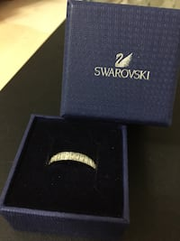 Swarovski Ring (Size 8) Hampstead, H3X