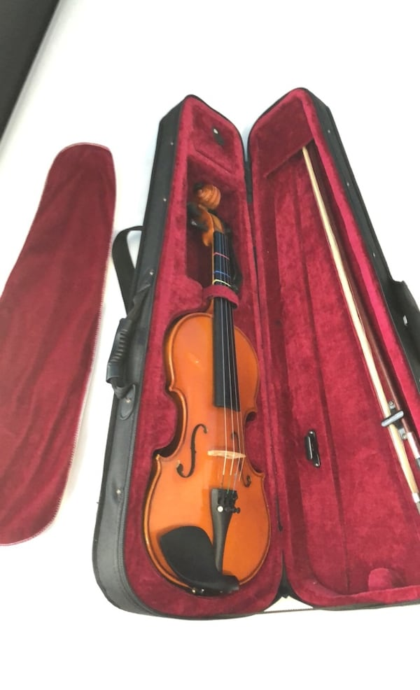 Violin - 3/4, comes with extra strings, bow, & shoulder rest 8ed7bb05-e383-43e6-a214-7a73a32bcf43
