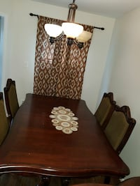 Cherry Wood Dinning Table  4 chairs  Germantown