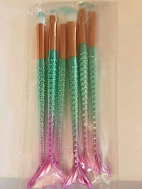 Brand new mermaid makeup brush set Oshawa, L1G 6Z2