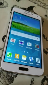Samsung Galaxy s5 sprint or boost excellent condit