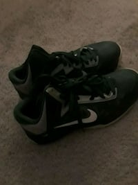 pair of black-and-gray Nike basketball shoes Annandale, 22003