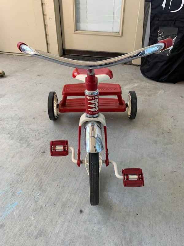 Radio Flyer Tricycle  1cf0d08c-f718-4d4a-a729-801b1d757738