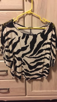Zebra top with lace shoulder accents Knoxville, 37918