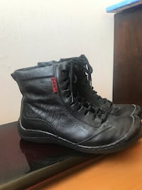 pair of black leather work boots Markham, L3T 4X2