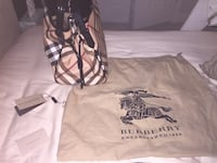 Burberry handbag 32 km