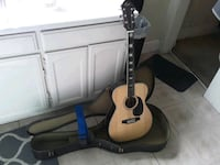 Beginner guitar with case and strap  Los Angeles, 90009