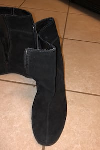 Wedge suede boot size US 7.5