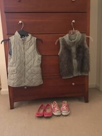Two gray and white sleeveless tops Louisville, 40223