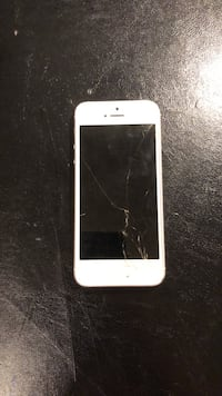 Iphone 5 cracked screen no SIM card  Edmonton, T6M 2J3