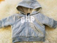 Baby Gap hoodie Size 0-3 mths but fits closer to 0 538 km