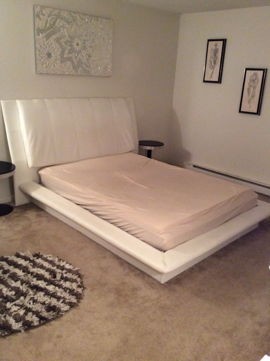 Queen bed frame mattress not included in New Castle letgo