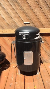 Black char-broil gas grill West Kendall, 33193