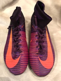 Nike women's mercurial soft ground soccer boots size 8 US Burnaby, V5G 3X4