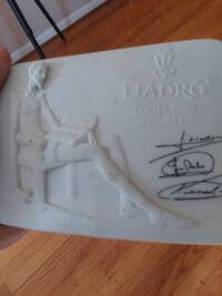 Lladro Collectors Society  Washington
