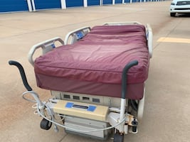PENDING PICK UP (20) Electronic Medical Beds: Hill ROM Model P1900