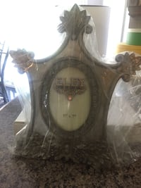 Set of 2 Picture frame $10 New with box  Markham, L3R 9L4