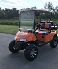 Ezgo electric Golf Cart GREAT LOOKING AND GREAT RUNNING! -