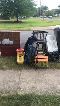 FREE leftover yard sale stuff  Springfield, 22150