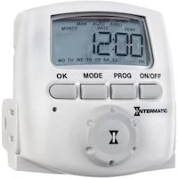 DT620 7-DAY INDOOR DIGITAL PLUG-IN TIMER  Two available  Silver Spring