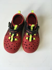 Red and Black rubber shoes size 7 toddler  294 mi