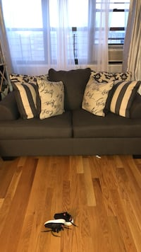 Extra large love seat ONLY SERIOUS BUYERS New York, 10473