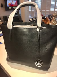 26bb7ef5be46 Used Authentic Michael Kors Tote Bag for sale in Toronto - letgo