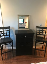 Bar on wheels with barstools and mirror set. Louisville, 40222