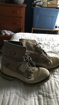 Pair of gray Timberlands beautiful Emmitsburg, 21727