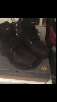 Pair of black leather work boots Frederick, 21701