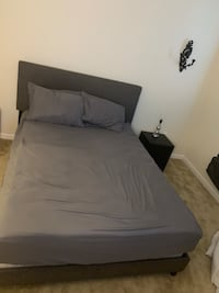 Queen size bed and mattress  Hanover, 21076