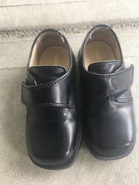 Toddler dress shoes $10 obo