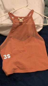 Tank tops size M and size XS Bakersfield, 93304
