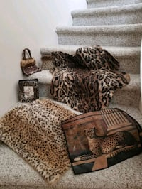 Leopard, pictures/frames/small rugs/candle/photo album
