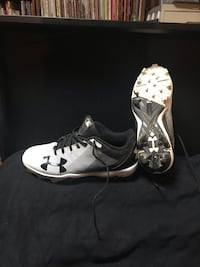 UnderArmour Baseball Cleats sz 4Y Geistown, 15904