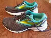 Athletic shoes (Brooks)