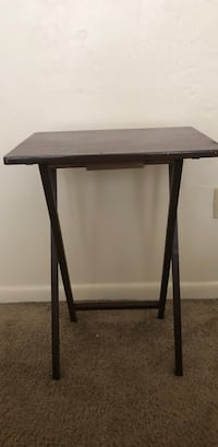 2 small side tables like new Gainesville, 32601