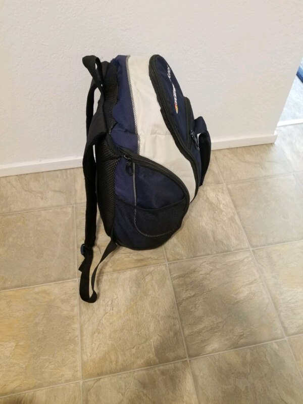 Backpack excellent condition all zippers work 7428f479-471b-462f-870a-e8d0757a5625