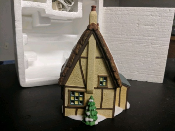Frogmore Chemistry- Dickens Village Series 37201350-7efe-4994-9e2c-2fe9113aadc8