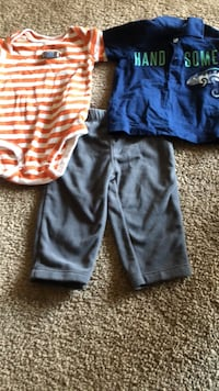 Boys 2 shirts and a pair of pants  McHenry, 60050