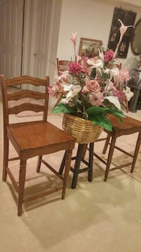 2 wooden stools available, cost is per piece Columbia, 21045